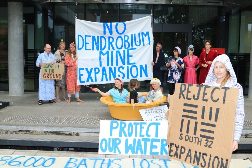 Dendrobium coal mine expansion rejected by planning commission
