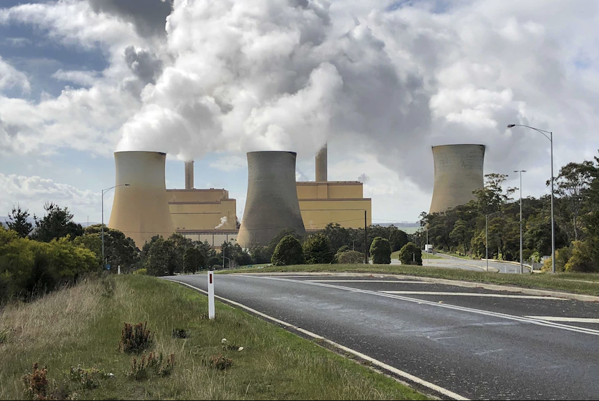 Energy Australia to close Yallourn power station early and build 350 megawatt battery